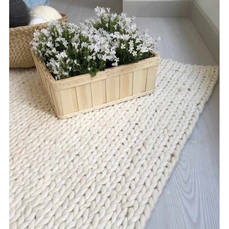 NORDICA - elegant white carpet