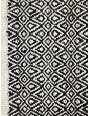 NORDICA - black and white carpet